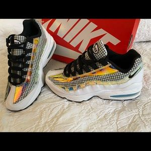 Nike Air Max 95 LV8 (G5) 6.5 Y EXC Condition